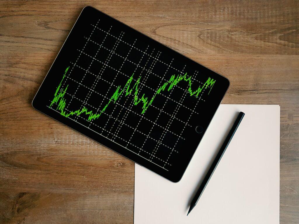Emitent i inwestor – czym dokładnie różnią się uczestnicy gry giełdowej?